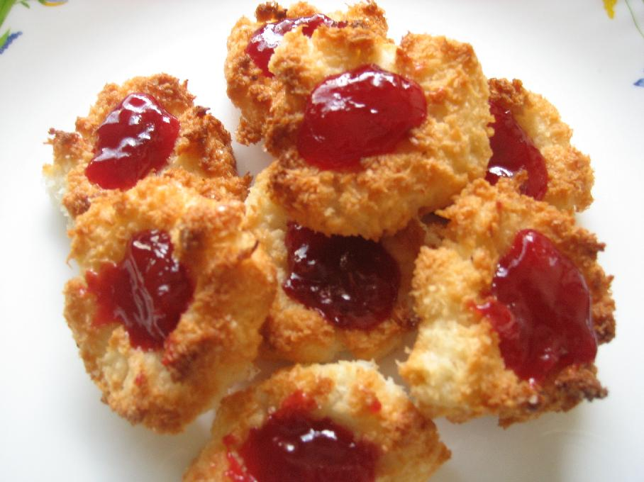 Coconut Macaroons with Plum filling – Homewarming